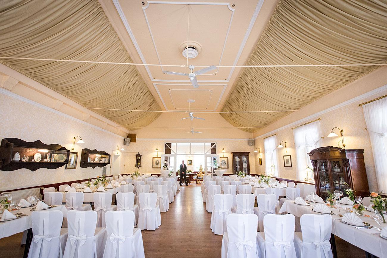Heiraten im Landgasthof Arp - Neudorf Bornstein- Hochzeitsfotograf Kiel001